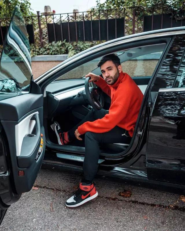 "The pair of Nike Air Jordan 1 HI Flyease ""Bred White Toe"" of Anil ..."