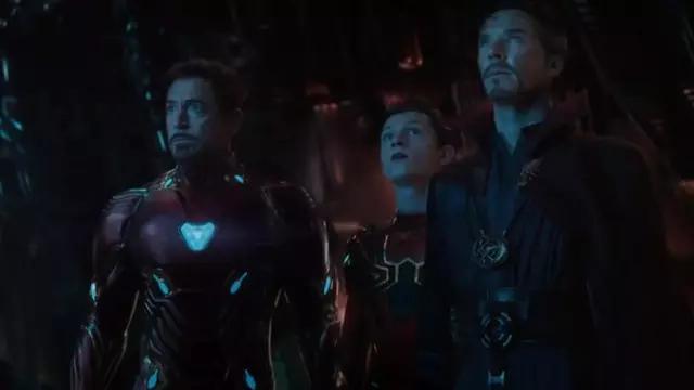 Iron Man's (Robert Downey Junior) armor replica as seen in Avengers: Infinity War